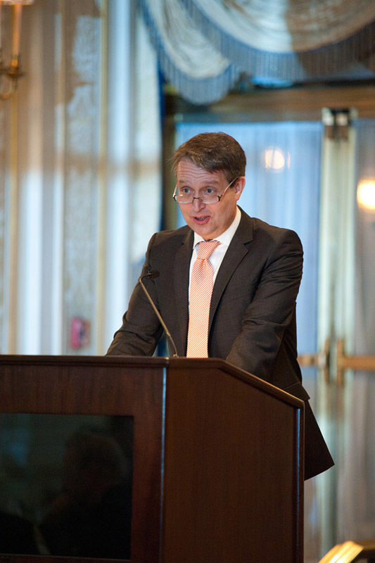 Arthur F. Burns-Dinner [:de]Der Handelsblatt-Chefredakteur als Dinner-Speaker beim Arthur F. Burns-Dinner, New York, im Februar 2011.[:]